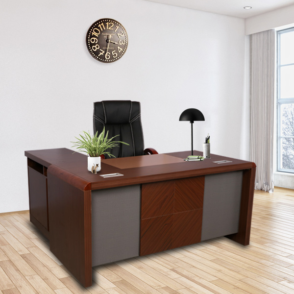Attirant Modern Wooden MD Table