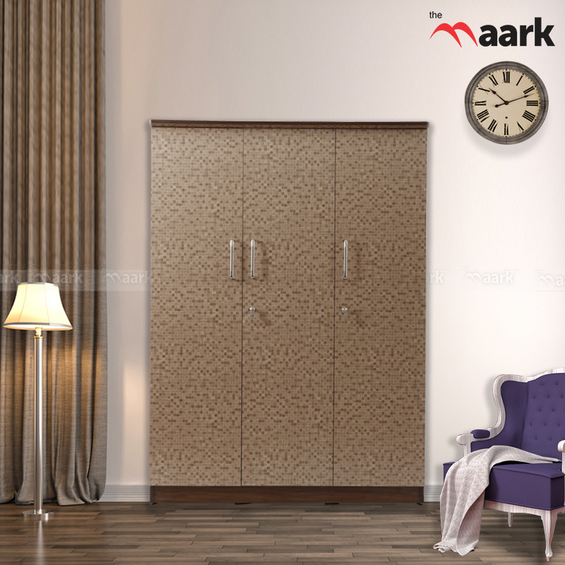 Dotted Classic Three Door Wardrobe