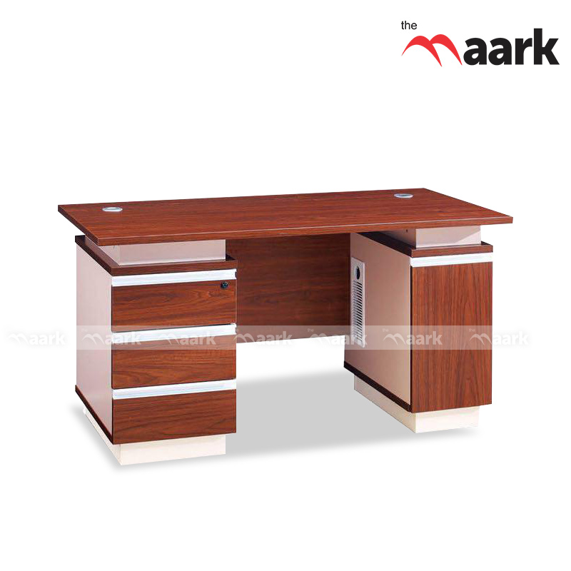 Trendy Executive Wooden Table